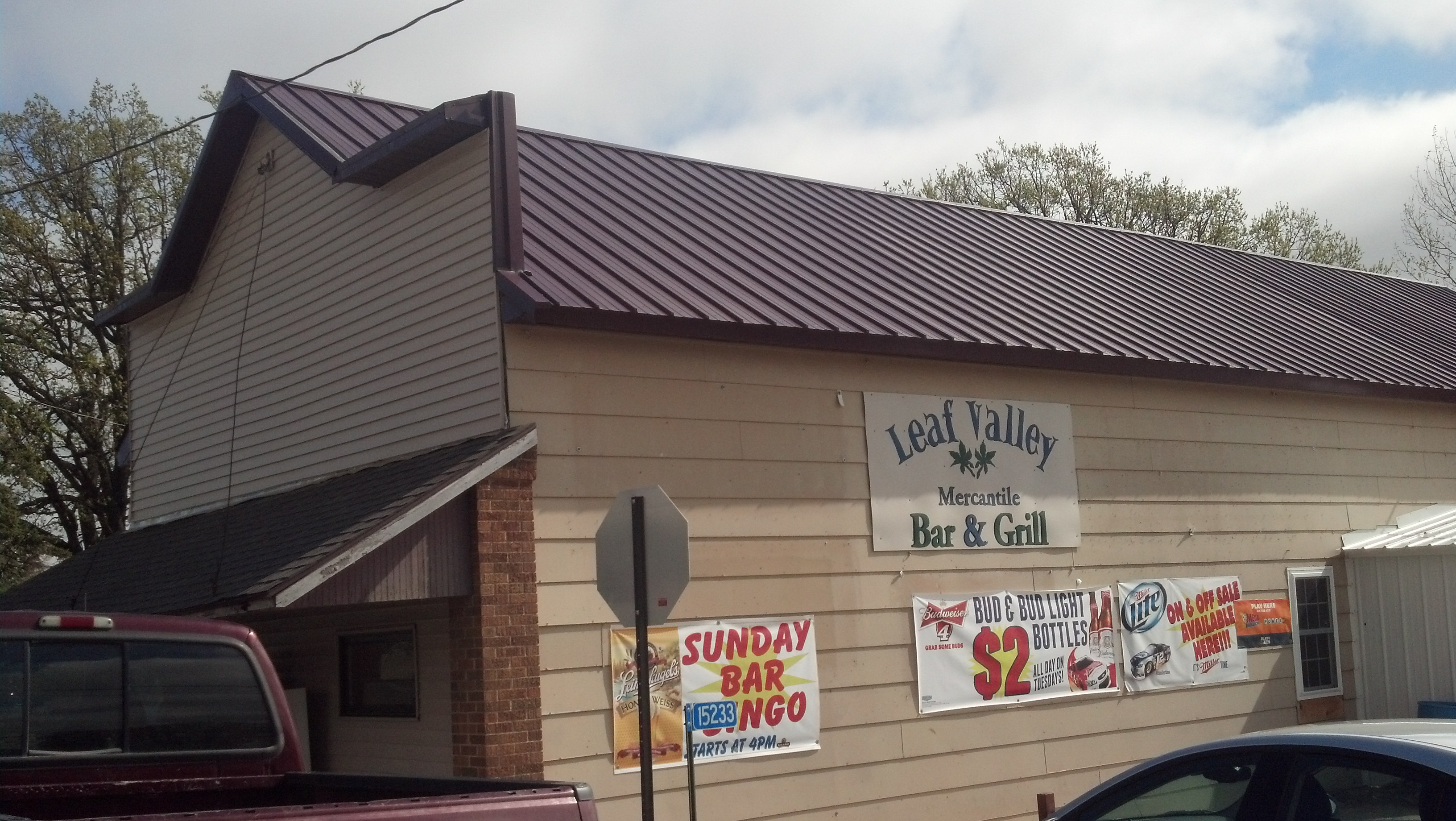 leaf-valley-mercantile-grill-exterior